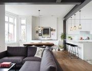 дизайн-кухни-с-диваном-39