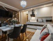 дизайн-кухни-с-диваном-41