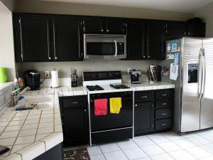 black and white кухни