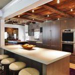 Все о способах отделки кухонного потолка