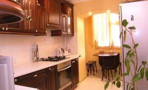 кухня совмещенная с балконом столовой