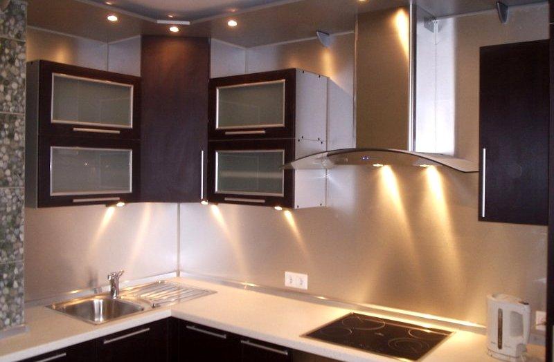 Кухня 10 метров планировка фото с диваном