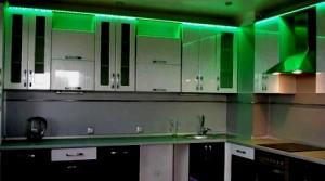 светодиодное освещение на кухне зеленого цвета