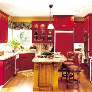 сочетание бордового и коричневого цвета в кухонном интерьере