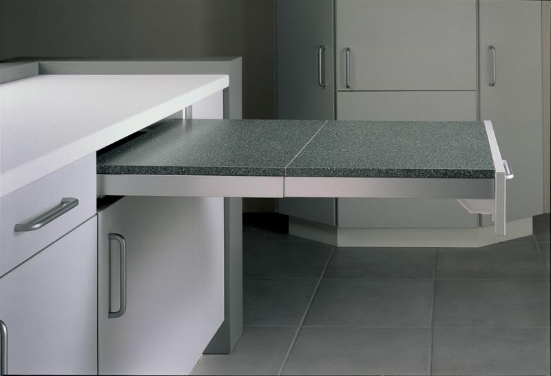 Кухонный стол тумба с ящиками сэкономит пространство на кухн.