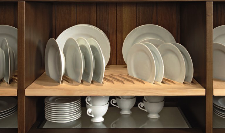 Из каких материалов могут быть сушки на кухне