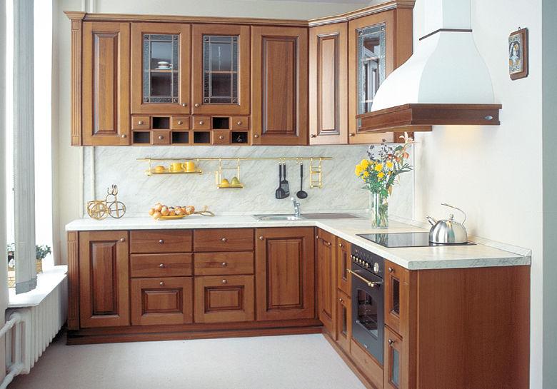 ОоформлениЕ угловой кухни с окном