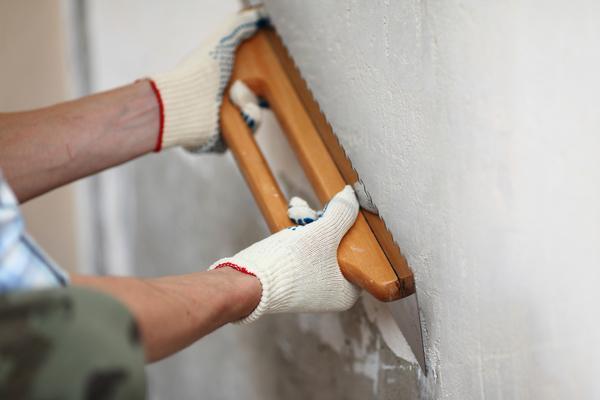 Подготавливаем стены на кухне к покраске