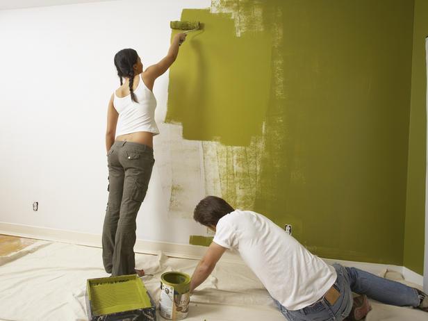 Сам процесс покраски стен в кухне