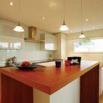 Выбираем натяжной потолок для своей кухни
