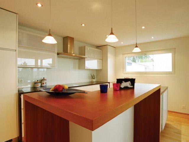 Выбор натяжных потолков для кухни