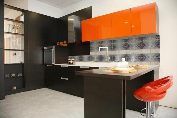 шоколадный цвет с оранжевым