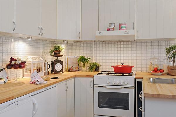 мелкая плитка на фартук кухни