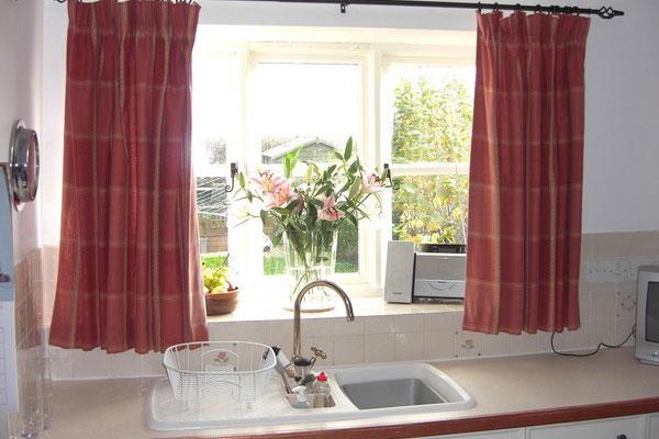 занавес на окно кухни