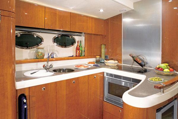 Эконом вариант мебели на кухне в хрущевке