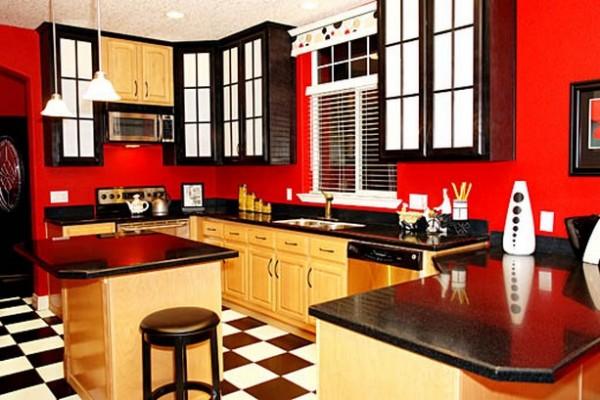 Не переусердствуйте с красным цветом на кухне
