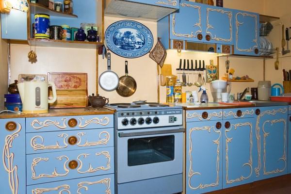 Покраска мебели на кухне своими руками