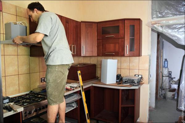 Как быстро сделать ремонт на кухне своими руками