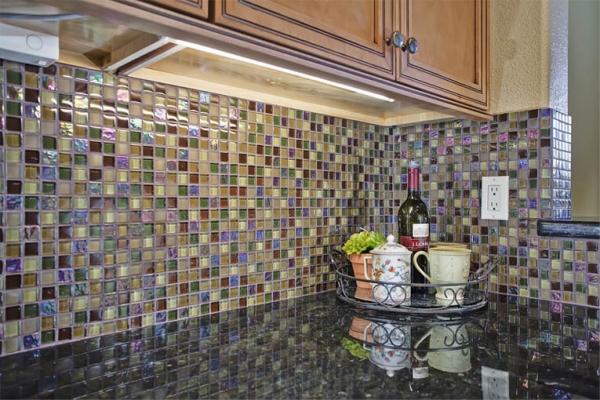 Облицовка плиткой кухни