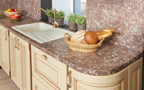 Кухня - выбор материала столешницы.