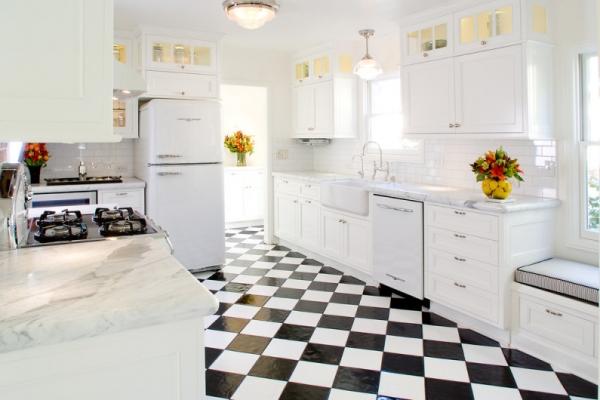 Дизайн пола на кухне из плитки – выбор материала и оформление интерьера