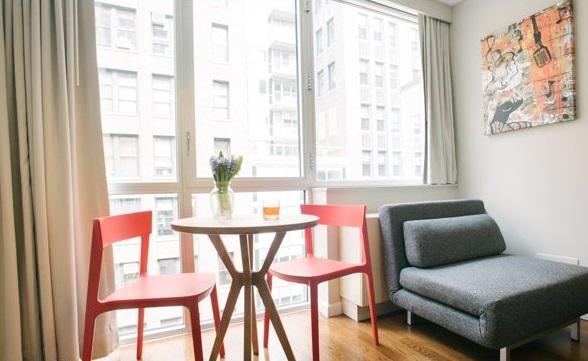 Кухня с креслом-диваном